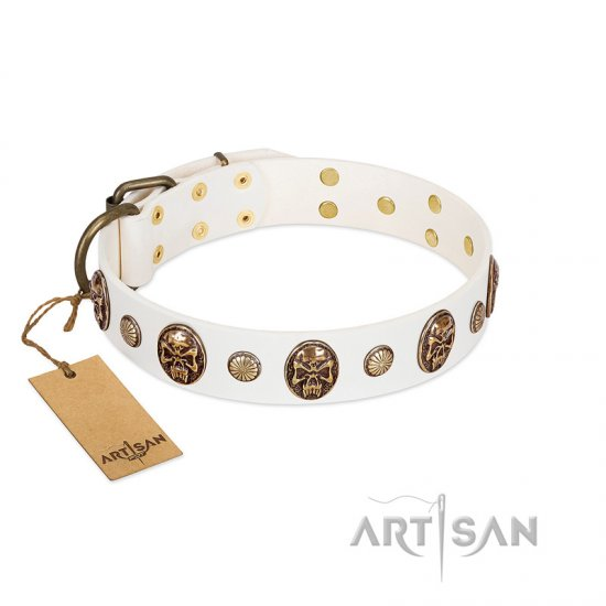 """Fatal Beauty"" FDT Artisan White Leather Collie Collar with Old Bronze-like Studs and Oval Brooches"