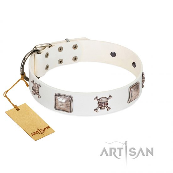"""Pirate Sloop"" Handmade FDT Artisan Designer White Leather Collie Collar with Crossbones"