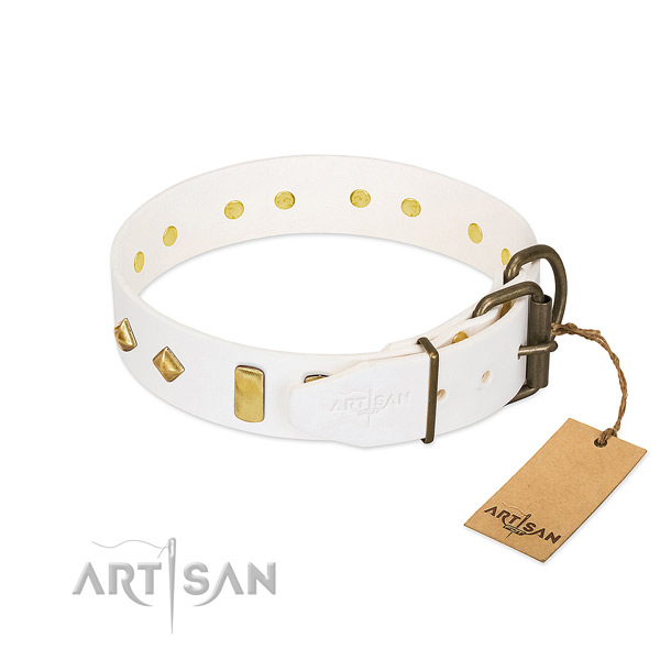 Top rate full grain genuine leather dog collar with durable buckle
